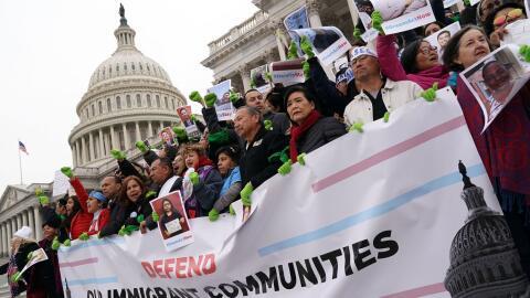 Protesta en el Capitolio a favor del TPS y una protección definit...