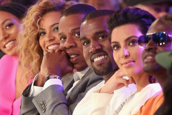 14. Porque tiene los amigos más talentosos del medio, como Beyoncé y Jay...