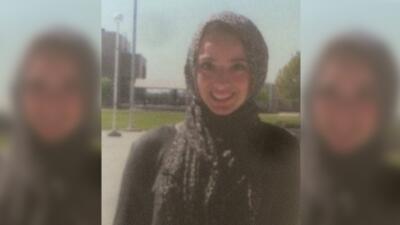 """Bayan Zehlif fue identificada como """"Isis Phillips"""" en el anuario de la s..."""