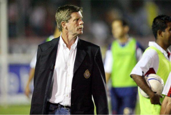 Para 2006 regreso a Chivas pero sus números no fueron buenos y fue cesad...