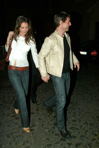 Y a las pocas semanas, Tom se dejaba ver con Katie Holmes.