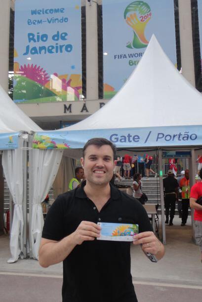 Aquí Alberto en la entrada de Maracaná.