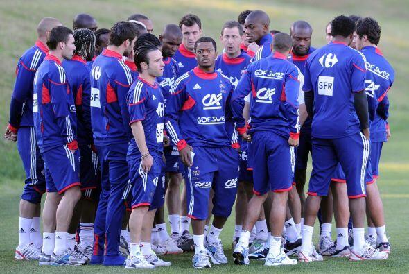 Otra locura fue la negativa de la selección de Francia a entrenar en ple...