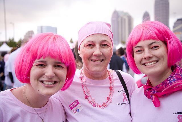 Carrera contra cáncer de seno