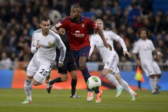 Real Madrid enfrentó al Osasuna en el estadio Santiago Bernabéu en su pr...