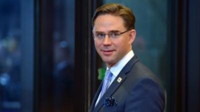 Katainen, de 41 años, se encontraba haciendo campaña antes de unas elecc...