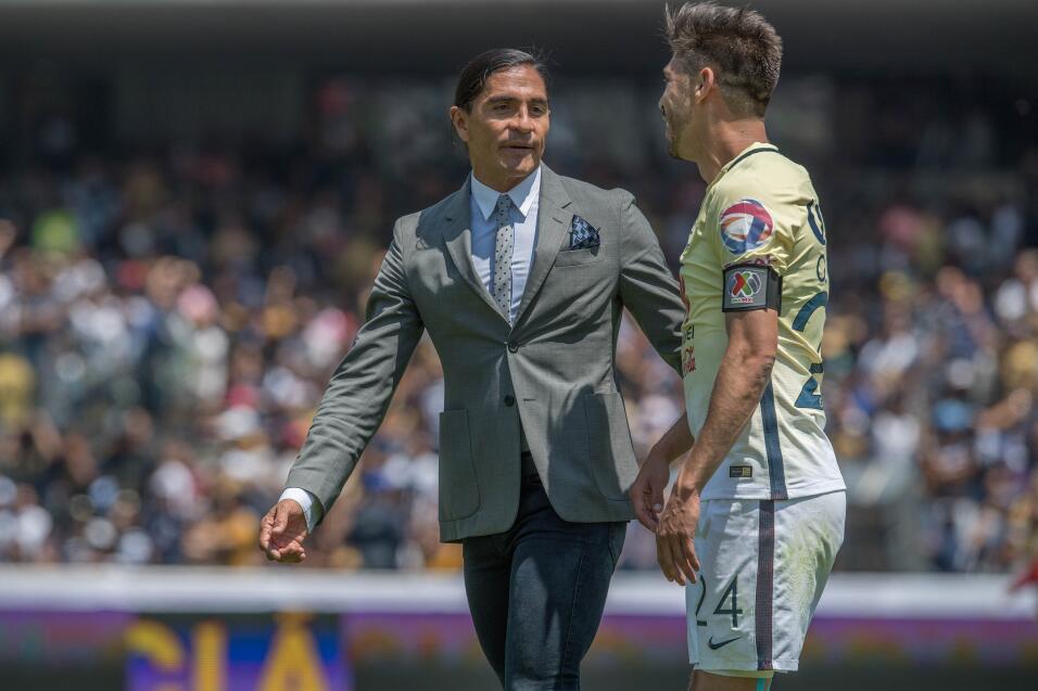 Oribe Peralta le dedicó emotivo mensaje a Diego Lainez 016 Palencia y Or...