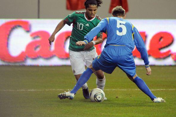 Giovani regaló pocos momentos de buen fútbol y se le notó fuera de ritmo...
