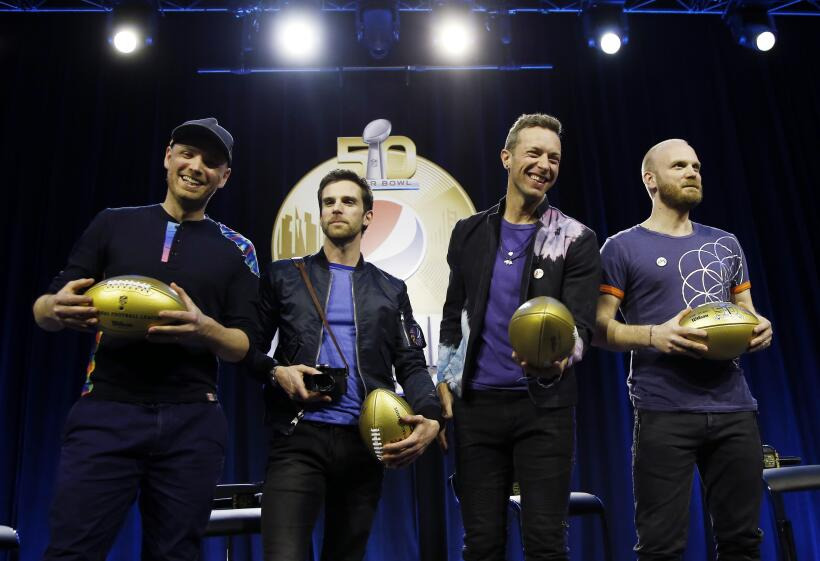 La banda británica, liderada por Chris Martin, hicieron su presen...