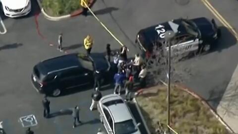 La balacera se reportó alrededor de las 2:20 en la plaza The Oaks, unica...