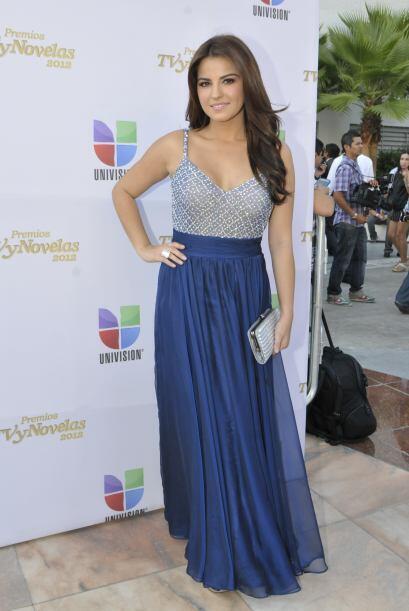En 2012, Maite eligió un vestido conservador y de buen gusto en tonos az...