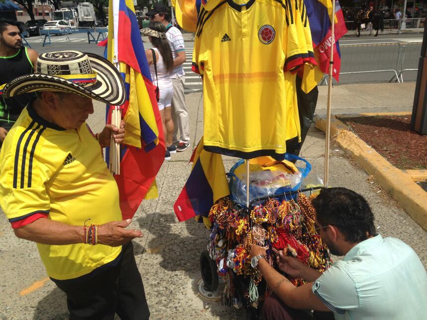 Los vendedores ambulantes también aportaron colorido.