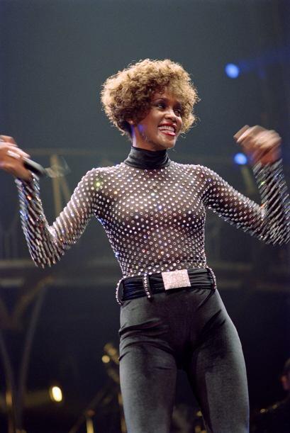 Whitney Houston Sin duda una de las cantantes más famosas de los 80 y 90...