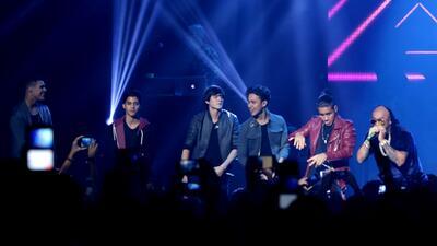 CNCO y Wisin cantaron juntos en los PJ VIP Tour.