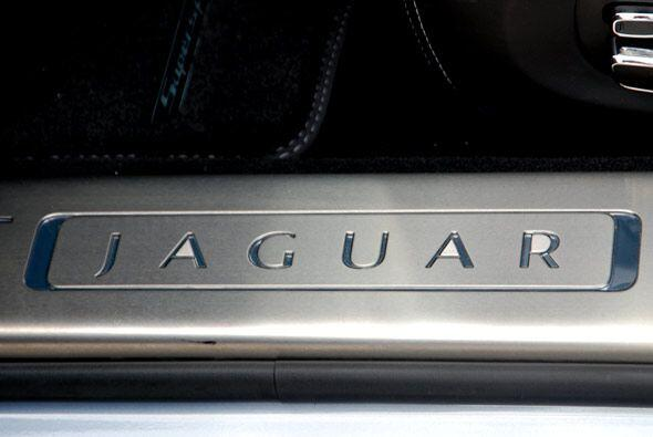 Para este modelo, Jaguar mezcló la gracia del XJ de 1968 con un look muy...
