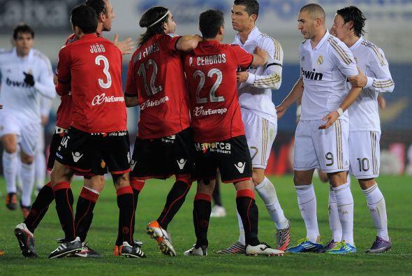 Pero llegó Cristiano Ronaldo, de mediocre, partido, y calmó las aguas.
