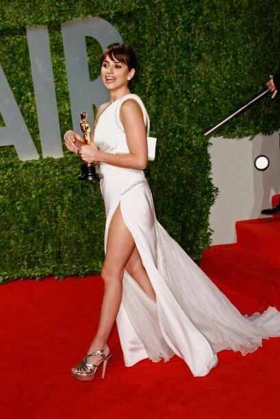 Cruz es una de esas actrices que rara vez enseña la pierna. ¡Aprovechen...