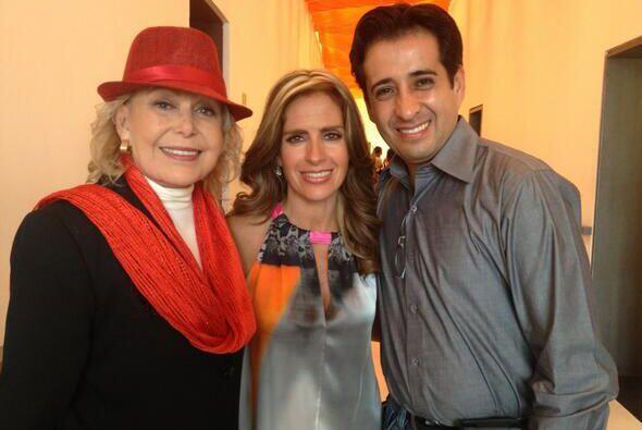 Hace un año posó así junto a Ia fallecida actriz Irma Lozano quien fue s...
