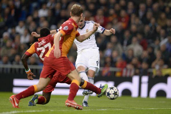 Controló bien Benzemá y disparó a gol para convertir el 2-0.