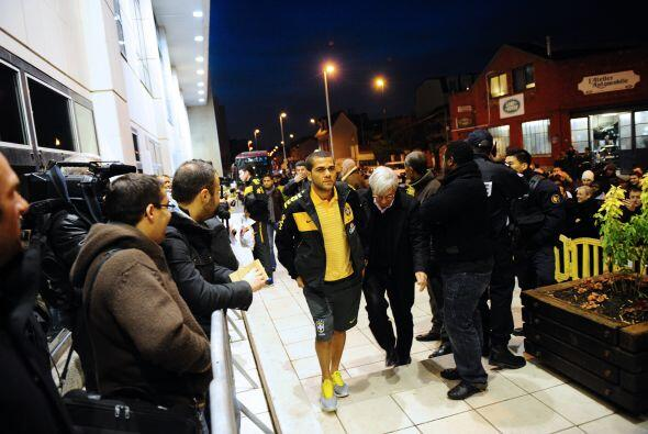 En tanto el seleccionado brasileño generó alboroto ni bien llegó a París...