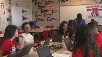 ¿Cuál es la importancia de los cursos avanzados para los estudiantes en secundaria?
