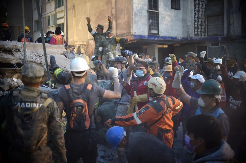 Terremoto México puño