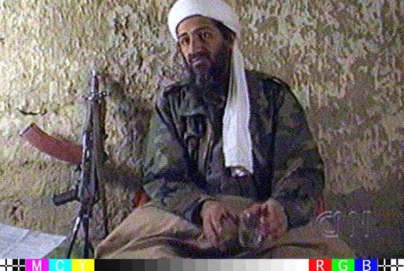Algunos de los hijos menores de Osama Bin Laden estaban el domingo 1 de...