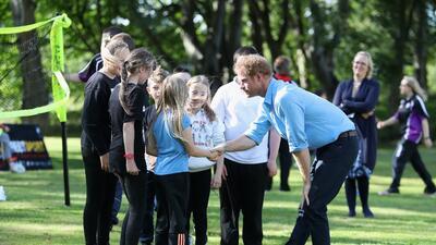 El príncipe Harry es el consentido de la chamacada
