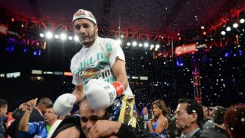 Jhonny González esperaba una pelea más larga con Abner Mares.