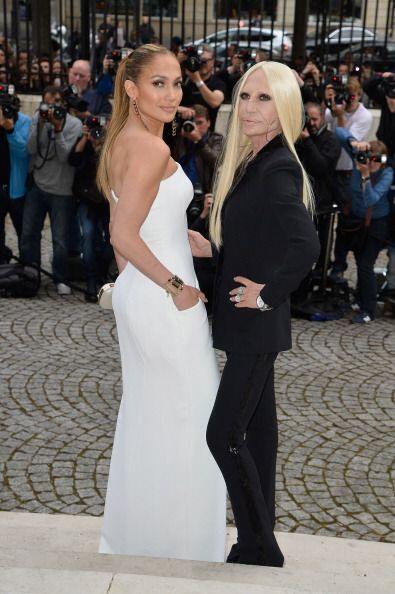 ¡Jennifer Lopez y Donatella Versace fueron el dúo perfecto! Entre ambas...