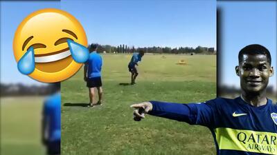 ¡Que se dedique al fútbol! Jugador de Boca Jrs es objeto de burlas jugando golf