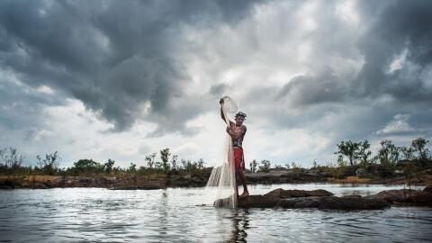 Caboco Juruna desde el pueblo de Miratu en la reserva indígena Pa...