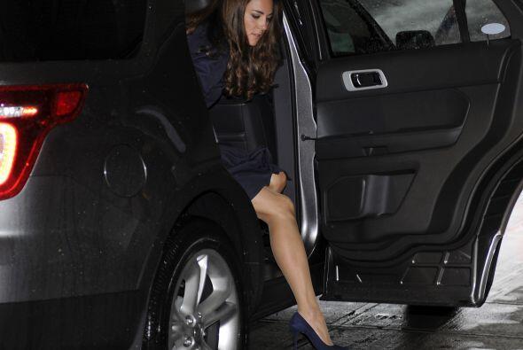 Junto al príncipe William llegaron al hotel de su gira en Canadá a bordo...