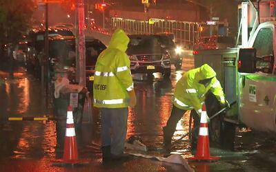Los problemas que deben enfrentar los residentes en El Bronx cuando llue...
