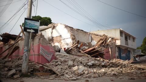 Una vivienda destruída luego del terremoto del 8 de septiembre, e...