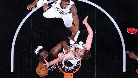 Los Spurs están a un juego de las Finales del Oeste