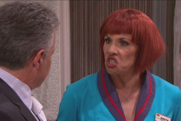 Anita es la primera interrogada, pero ella se imagina que la va a tortur...