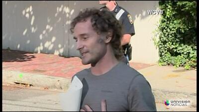 El periodista secuestrado en Siria, Theo Curtis, habla por primera vez t...