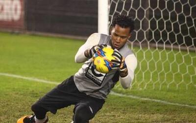 El futuro del portero Carlos Cáceda podría estar en la MLS.