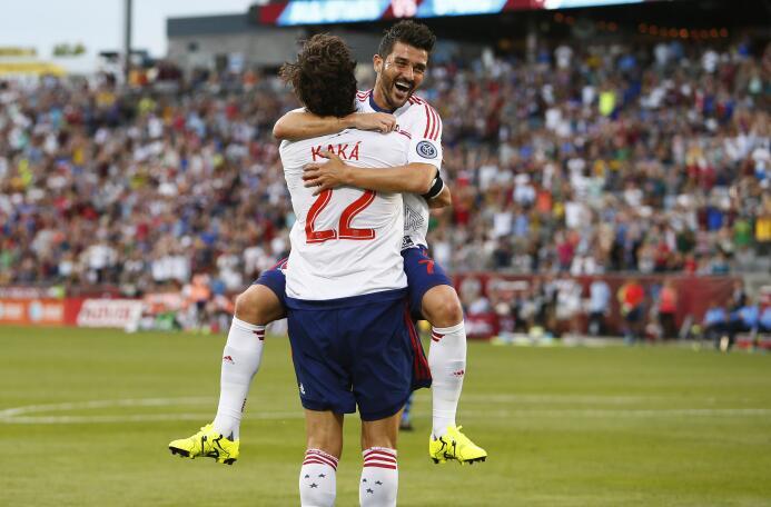 David Villa y Kaká celebran un gol en el Partido de las Estrellas