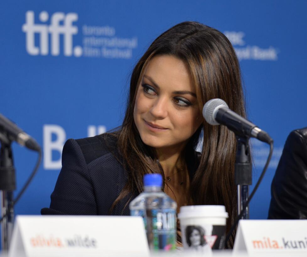 Mila Kunis, la sensual fanática de MLB, NFL y NBA GettyImages-180237379.jpg