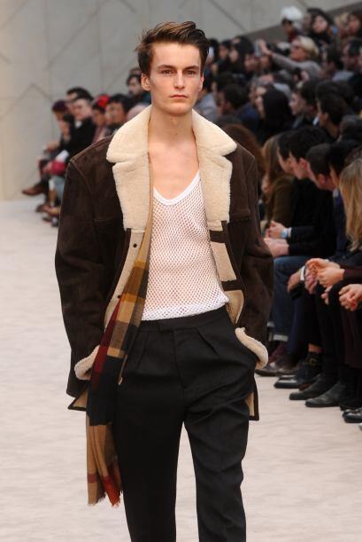 Los varones podrán encontrar 'trench coats' corte oversize y abrigos con...