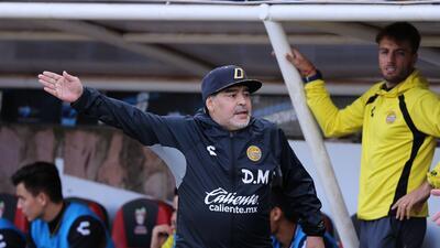 Maradona, en problemas: podría ser suspendido por declaraciones contra árbitro