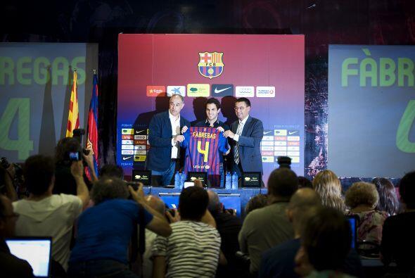 En el Camp Nou ya le esperaban en un salón para hacer la presentación an...