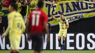 Henry Martín no se cambia por nadie tras anotarle al Manchester United