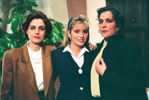 """Diana Bracho y Delia Casanova interpretaban a las hermanas """"Evangel..."""