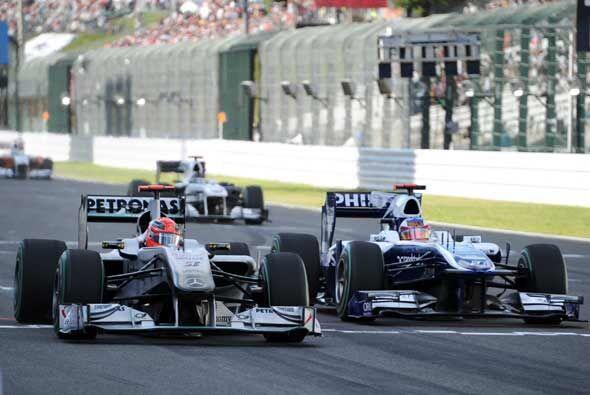 Schumacher y Barrichelo lucharon como en los viejos tiempos.