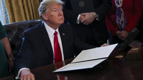 Un juez federal bloquea a nivel nacional el veto migratorio de Donald Trump