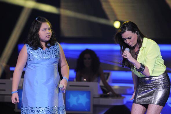 Juntas cantaron el éxito 'Adelante Corazón'.