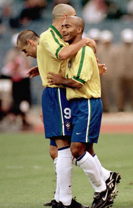 Sin embargo, el máximo goleador en una edición es el brasileño Romario,...
